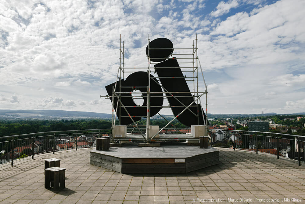 Marco Di Carlo - Sculpture - ja-Reappropriation - Photo copyright © Nils Klinger